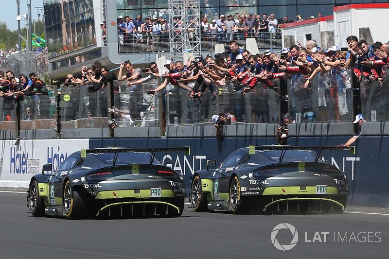 GTE-Pro-Sieg für #97 Aston Martin Racing Aston Martin Vantage: Darren Turner, Jonny Adam, Daniel Serra