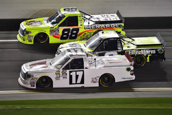 Timothy Peters, Red Horse Racing, Toyota; Matt Crafton, ThorSport Racing, Toyota; John Hunter Nemechek, SWM-NEMCO Motorsports, Chevrolet