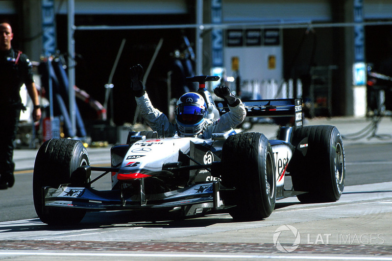 2001 - Indianapolis: Mika Häkkinen, McLaren-Mercedes MP4-16