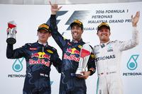Podium: 1. Daniel Ricciardo, Red Bull; 2. Max Verstappen, Red Bull; 3. Nico Rosberg, Mercedes
