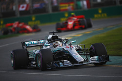 Lewis Hamilton, Mercedes AMG F1 W09, Kimi Raikkonen, Ferrari SF71H, and Sebastian Vettel, Ferrari SF71H