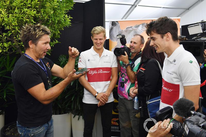 Marcus Ericsson, Sauber e Charles Leclerc, Sauber con un rospo
