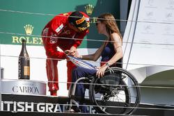 Podyum: 3. Kimi Raikkonen, Ferrari ve Nathalie McGoin