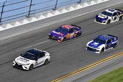 Toyota Camry pace car, Alex Bowman, Hendrick Motorsports Chevrolet Camaro, Denny Hamlin, Joe Gibbs Racing Toyota