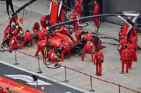 Практика піт-стопу у Ferrari