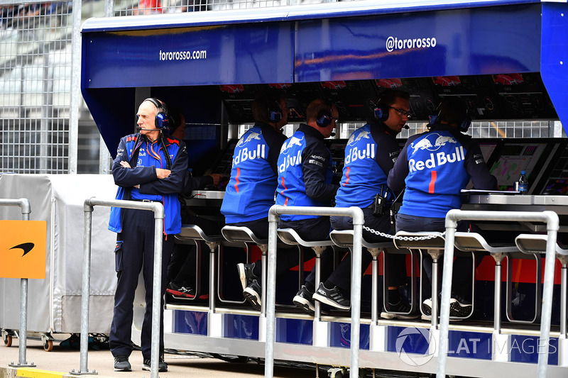 Franz Tost, Scuderia Toro Rosso Team Principal on pit wall gantry