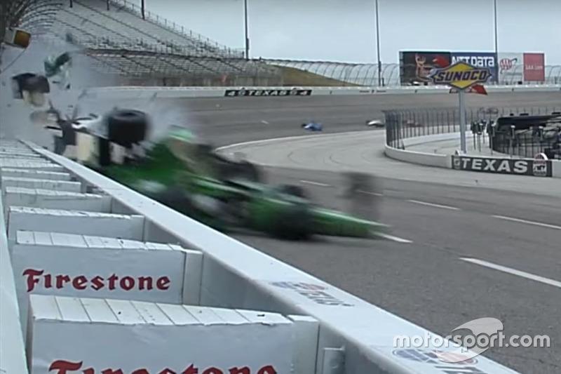 Crash: Josef Newgarden, Ed Carpenter Racing, Chevrolet; Conor Daly, Dale Coyne Racing, Honda