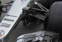 Mercedes AMG F1 W07, Vorderradaufhängung