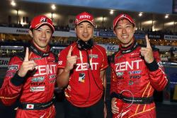 Race winners #38 Team Zent Cerumo Lexus RC F: Yuji Tachikawa, Hiroaki Ishiura with Toranosuke Takagi, Team Director Zent Cerumo
