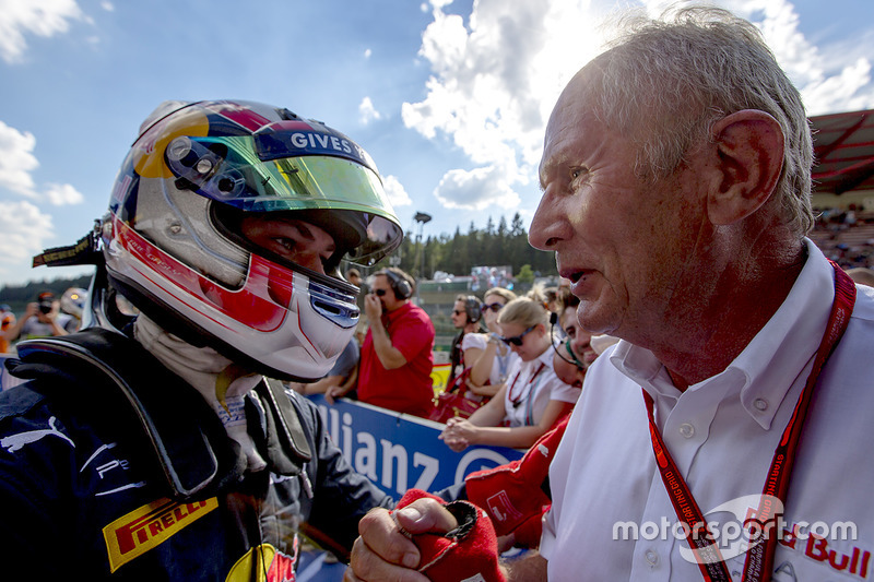 Race winner Pierre Gasly, PREMA Racing with Dr. Helmut Marko