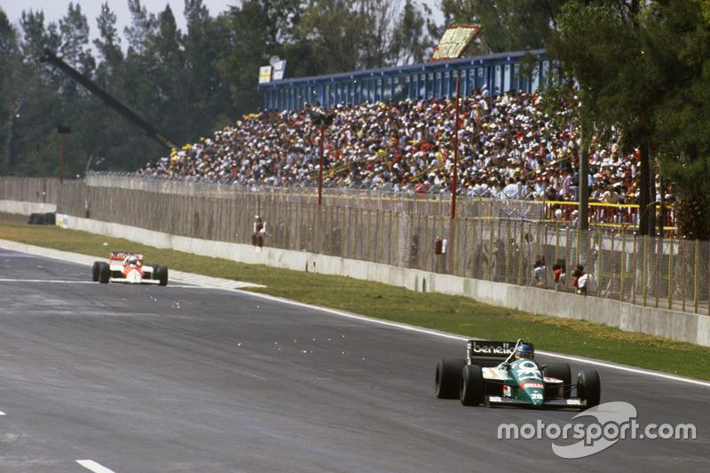 Gerhard Berger, Benetton devant Alain Prost, McLaren