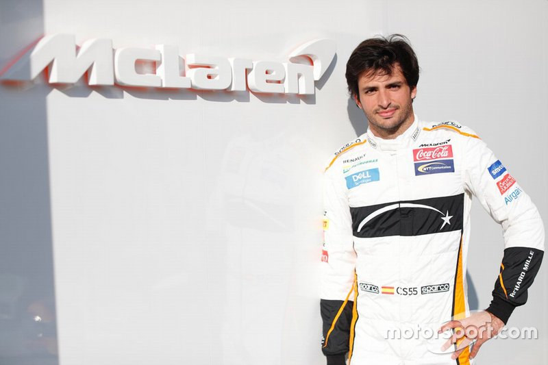 Carlos Sainz, McLaren  F1 2019 driver and team line-ups carlos sainz jr mclaren at the abu dhabi testing 1
