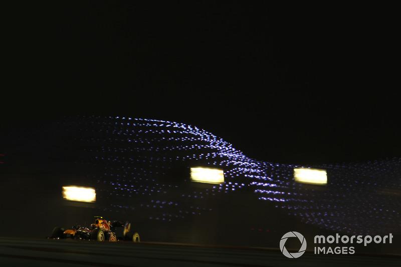 А вот Уэббер провалился: пилот Red Bull стал лишь пятым при том, что ему крайне желательно было квалифицироваться впереди Алонсо