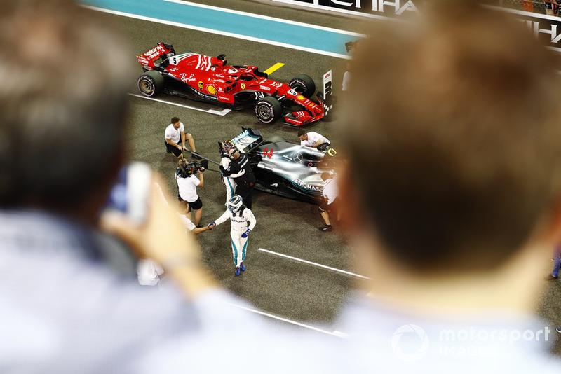 Valtteri Bottas, Mercedes AMG F1 W09 EQ Power+ revient sur la grille