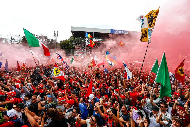 El ambiente en el podio de Monza