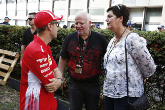 Sebastian Vettel, Ferrari con il padre Norbert Vettel, e la madre Heike Vettel