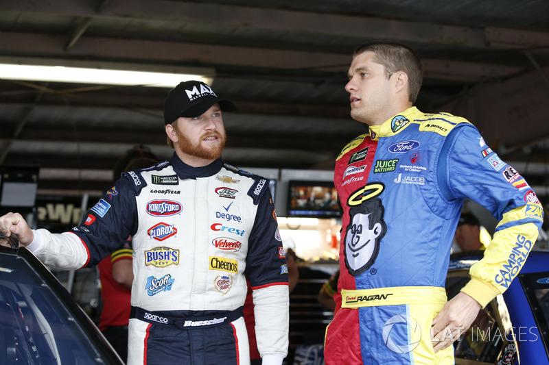 Chris Buescher, JTG Daugherty Racing, Chevrolet; David Ragan, Front Row Motorsports, Ford