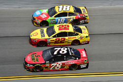 Martin Truex Jr., Furniture Row Racing Toyota, Joey Logano, Team Penske Ford, Kyle Busch, Joe Gibbs Racing Toyota