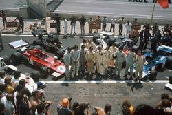 Graham Hill, George Follmer, Wilson Fittipaldi, Emerson Fittipaldi, Carlos Reutemann, Denny Hulme, Jackie Oliver, Ronnie Peterson, Arturo Merzario, Jody Scheckter, Jackie Stewart y François Cévert