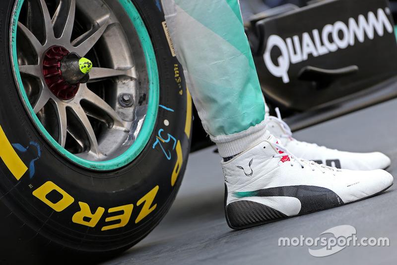 Tenis de Lewis Hamilton, Mercedes AMG F1