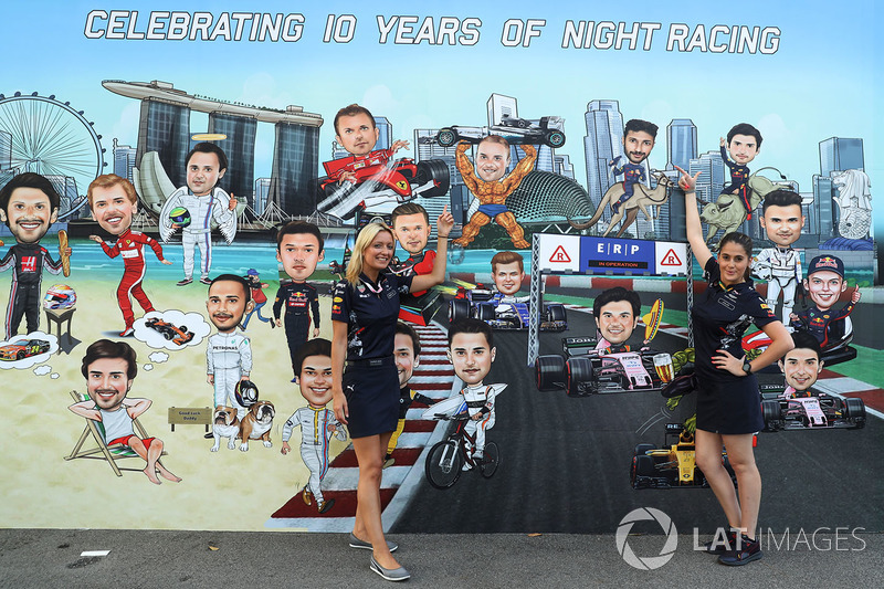 Pasa las fotos con las flechas y descubre la puntuación del GP de Singapur