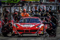 #11 Kessel Racing, Ferrari 488 GT3: Michael Broniszewski, Andrea Rizzoli, Matteo Cressoni