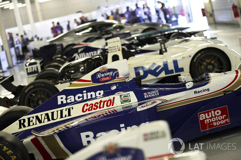1997 Jacques Villeneuve FW19 Renault