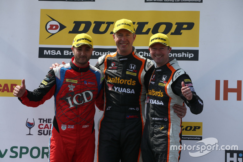 Jack Goff, Eurotech Racing Honda Civic Type R, Matt Neal, Team Dynamics Honda Civic Type R and Gordon Shedden, Team Dynamics Honda Civic Type R