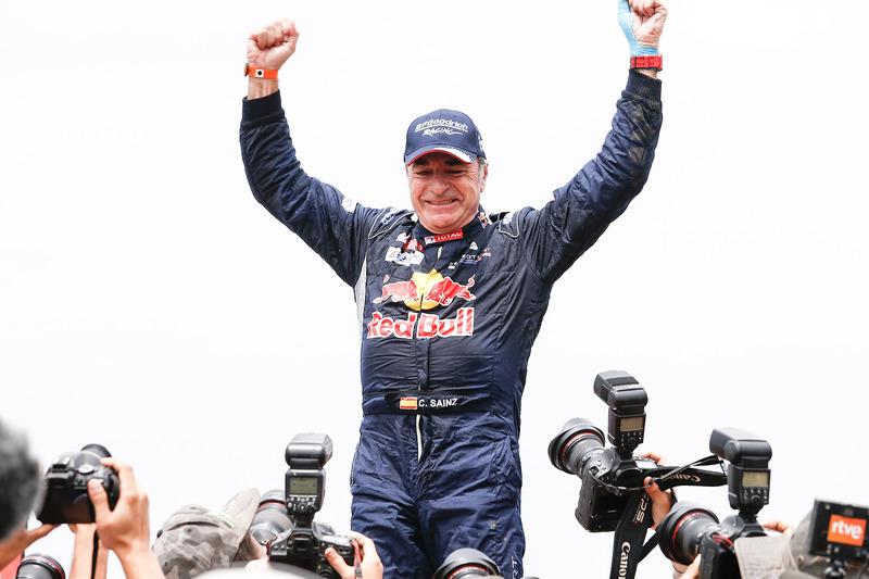 Il vincitore tra le auto Carlos Sainz, Peugeot Sport