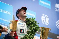 Podio: Ganador de la carrera Mehdi Bennani, Sébastien Loeb Racing, Citroën C-Elysée WTCC