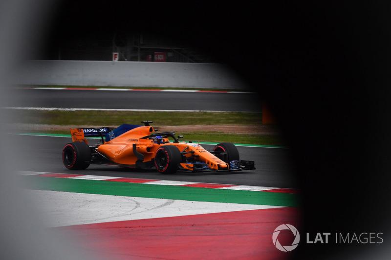 Também foi dia de Fernando Alonso voltar à pista.