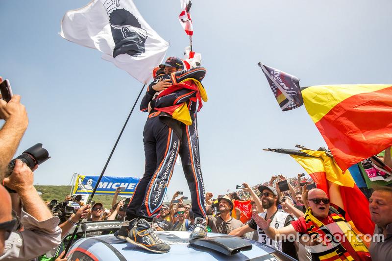Winners Thierry Neuville, Nicolas Gilsoul, Hyundai Motorsport Hyundai i20 Coupe WRC