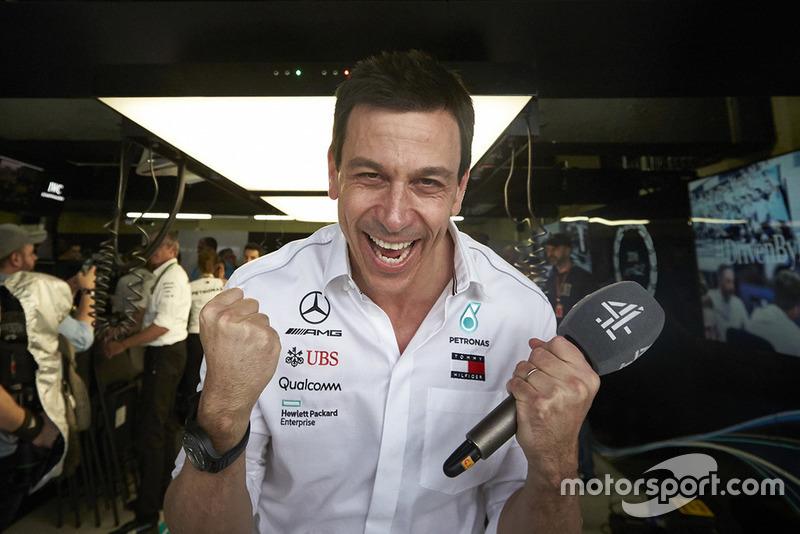 В Бразилии Mercedes выиграла пятый Кубок конструкторов подряд. Рекорд в этой области у Ferrari – шесть титулов подряд между 1999 и 2004 годом