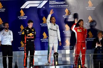 (L to R): Max Verstappen, Red Bull Racing, Lewis Hamilton, Mercedes AMG F1 and Sebastian Vettel, Ferrari on the podium
