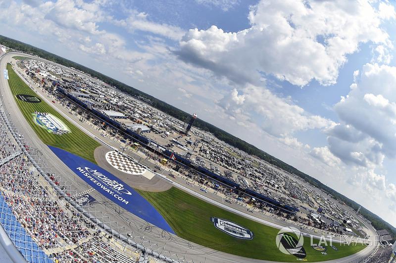 #3: Michigan International Speedway (2 Meilen) - 206,558 mph