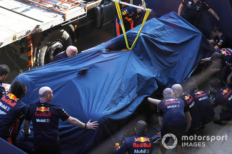 Pierre Gasly's car crushed, Red Bull Racing RB15 is recovered from the stands