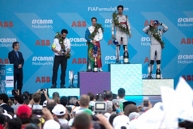 Race winner Lucas Di Grassi, Audi Sport ABT Schaeffler celebrates on the podium with Antonio Felix da Costa, BMW I Andretti Motorsports, 2nd position, Edoardo Mortara, Venturi Formula E, 3rd position, his race engineer Markus Michelberger