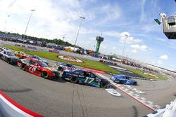 Kyle Larson, Chip Ganassi Racing Chevrolet, Chris Buescher, JTG Daugherty Racing Chevrolet, Ricky Stenhouse Jr., Roush Fenway Racing Ford restart