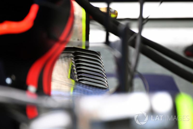 Задня частина днища Red Bull Racing RB13