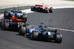 Kimi Raikkonen, Ferrari SF70H, Valtteri Bottas, Mercedes AMG F1 W08, Max Verstappen, Red Bull Racing