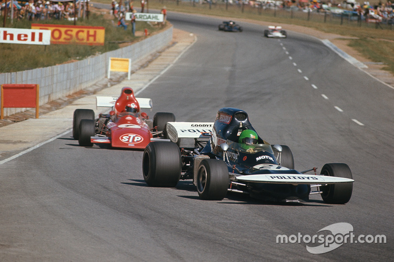 Henri Pescarolo, March 721 Ford leads Niki Lauda, March 721 Ford