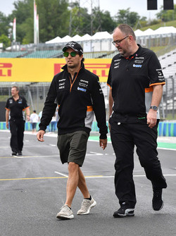 Sergio Perez, Force India walks the track