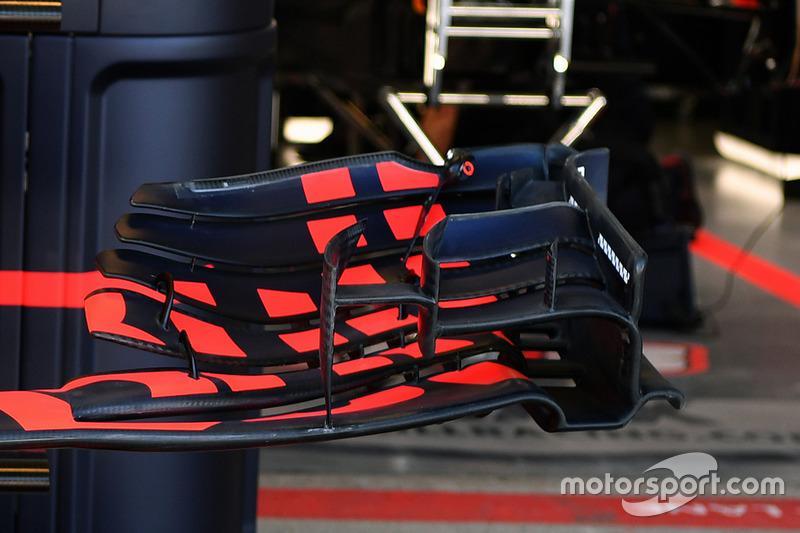 Переднее крыло Red Bull RB13