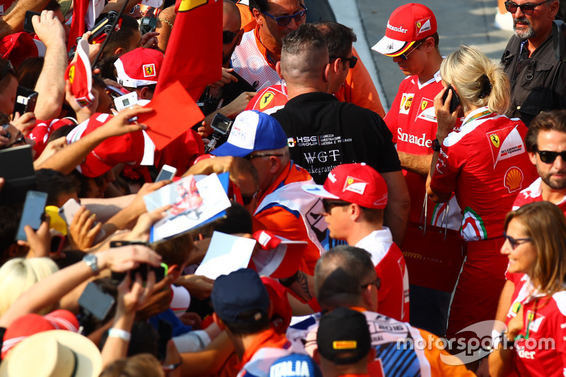 Sebastian Vettel, Ferrari with fans