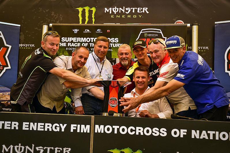 Trofi Monster Energy SMX Riders Cup