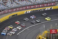 Darrell Wallace Jr., Richard Petty Motorsports, Chevrolet Camaro World Wide Technology and Chase Elliott, Hendrick Motorsports, Chevrolet Camaro SunEnergy1