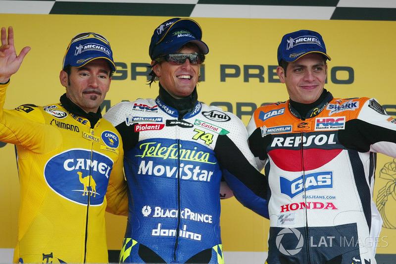 Pódio: 1º Sete Gibernau, 2º Max Biaggi, Honda, 3º Alex Barros