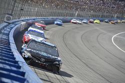 Erik Jones, Joe Gibbs Racing, Toyota Camry Sirius XM, Joey Logano, Team Penske, Ford Fusion AAA Southern California