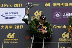 Podium: second place Lando Norris, Carlin, Dallara Volkswagen