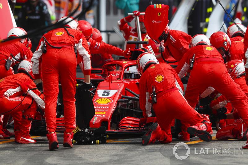 Sebastian Vettel, Ferrari SF71H, sur la grille